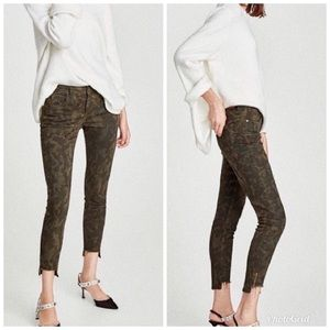 Zara Camouflage Step Hem Zipper Detail Ankle Jeans